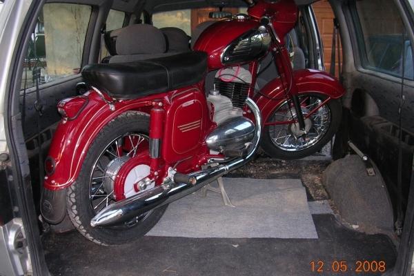 potopa-motorky-123E7B5F23E-E935-C12E-E187-83065255778B.jpg